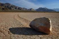 Sailing stones2