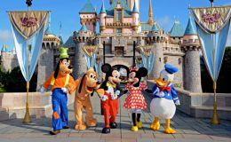 RS2  visiting DisneyLandParis