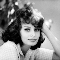 SOPHIA LOREN ( English/ French/ Italian)